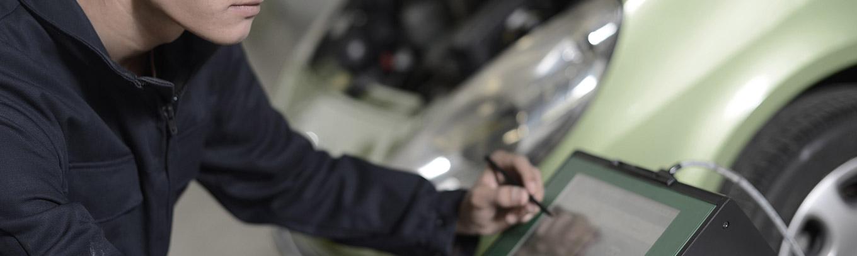 Auto Plus technical training professional